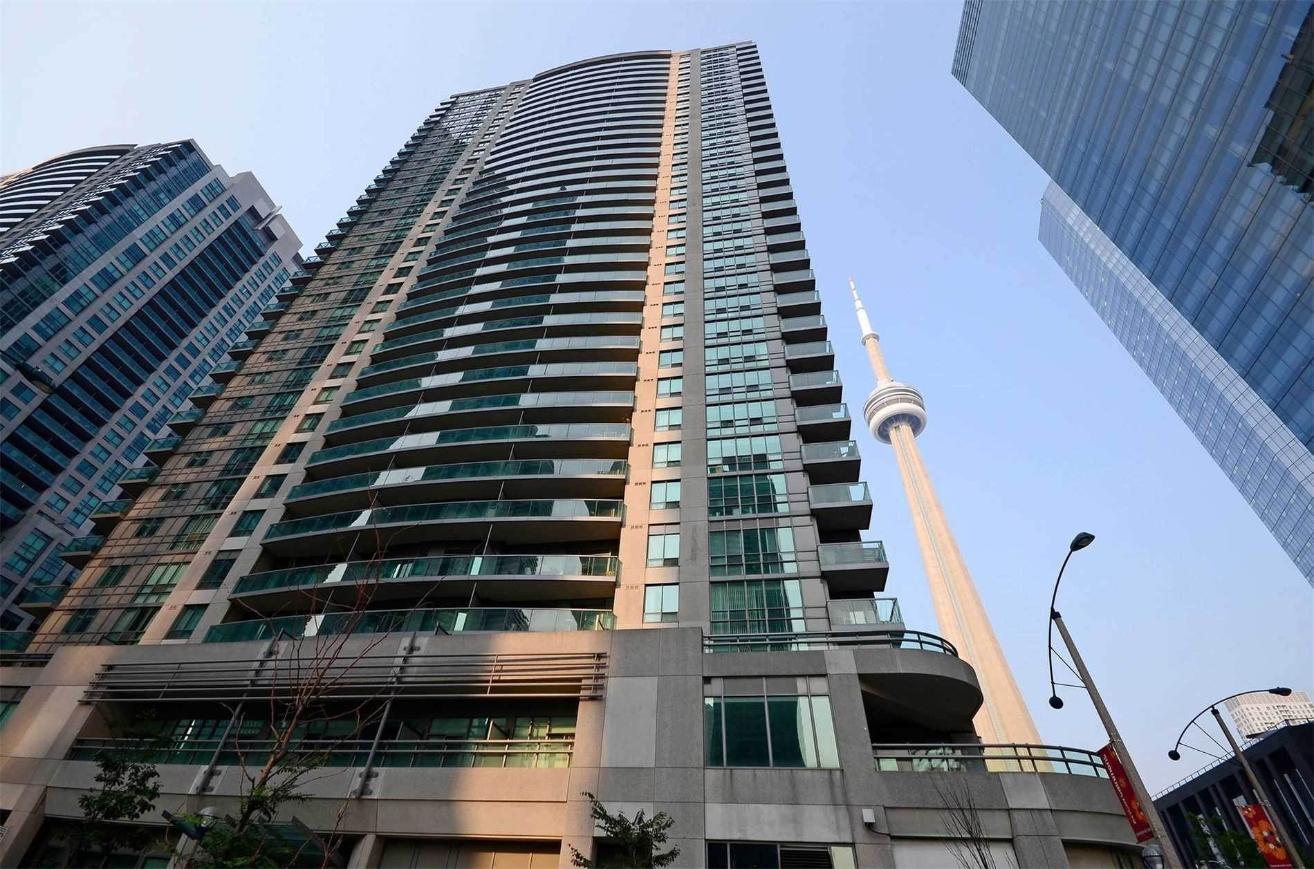 1001 - 30 Grand Trunk Cres