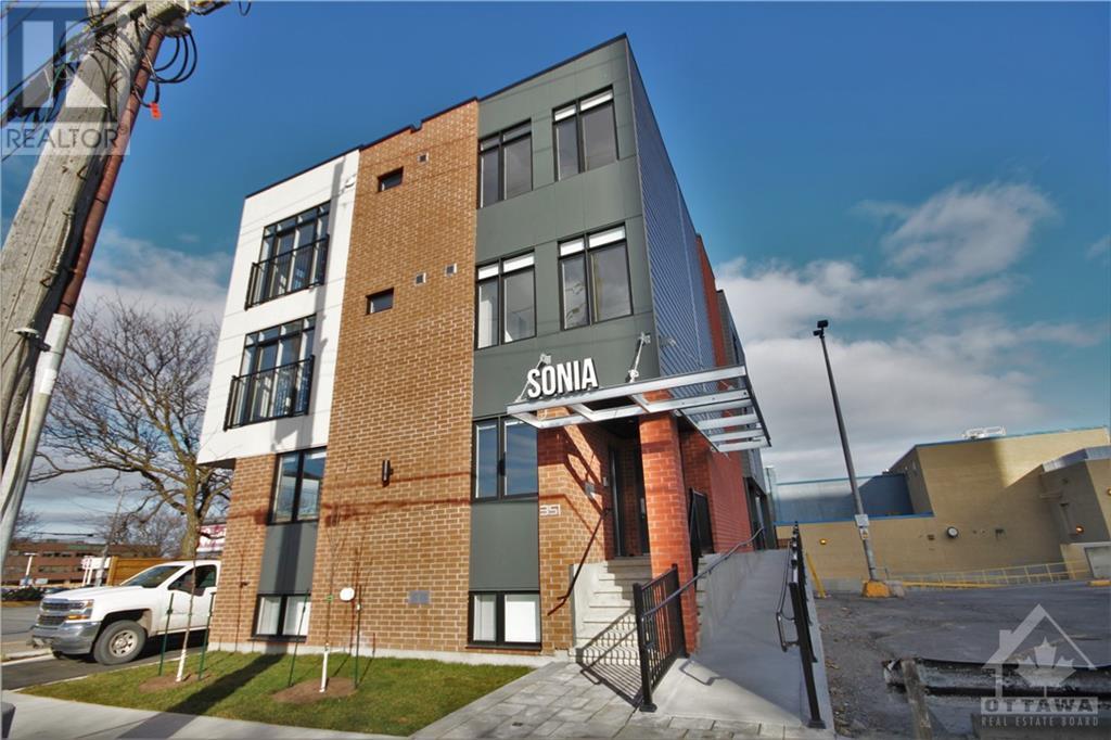 001 - 351 Croydon Avenue