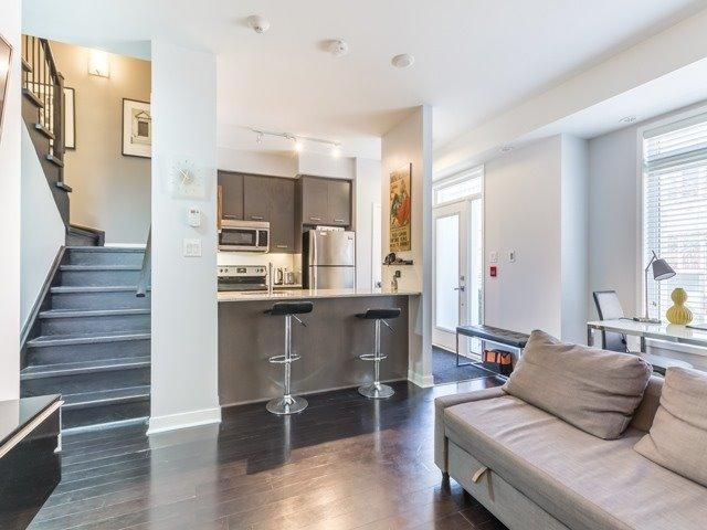 Th11 - 370 Square One Dr