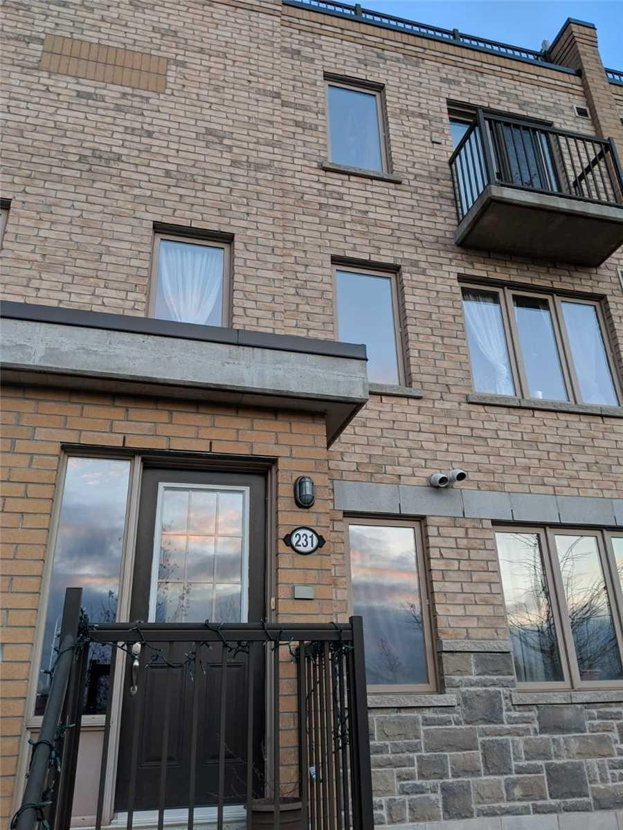 Th#231 - 10 Foundry Ave