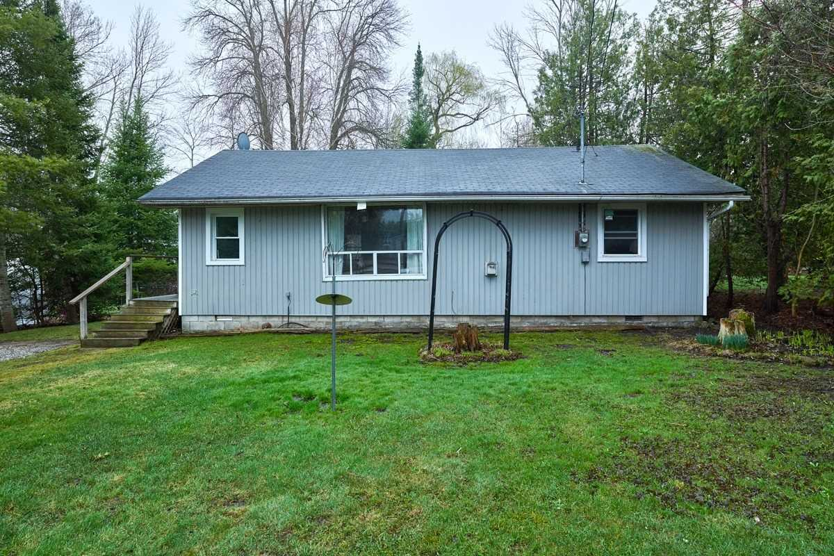 483 Mapleview Dr E