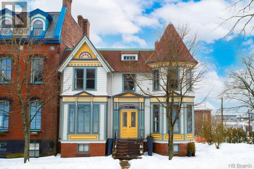 6 Queen Square South
