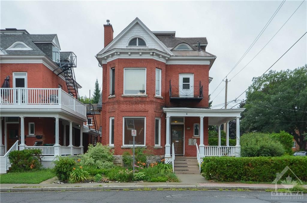 4 - 221 Cobourg Street