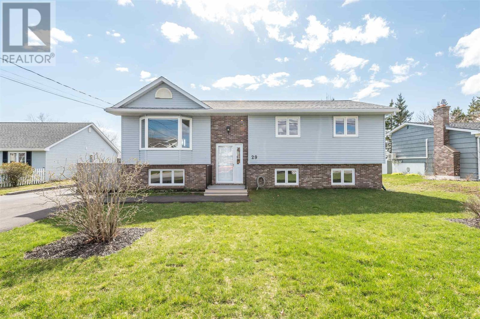 29 Willowdale Drive