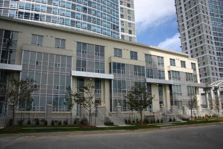 th115 - 36 Lee Centre Dr