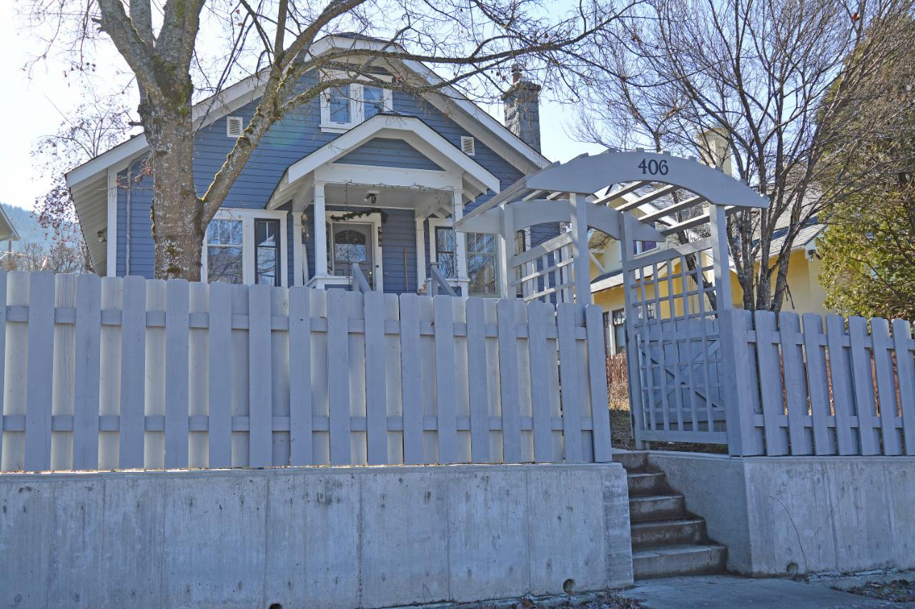 406 Observatory Street