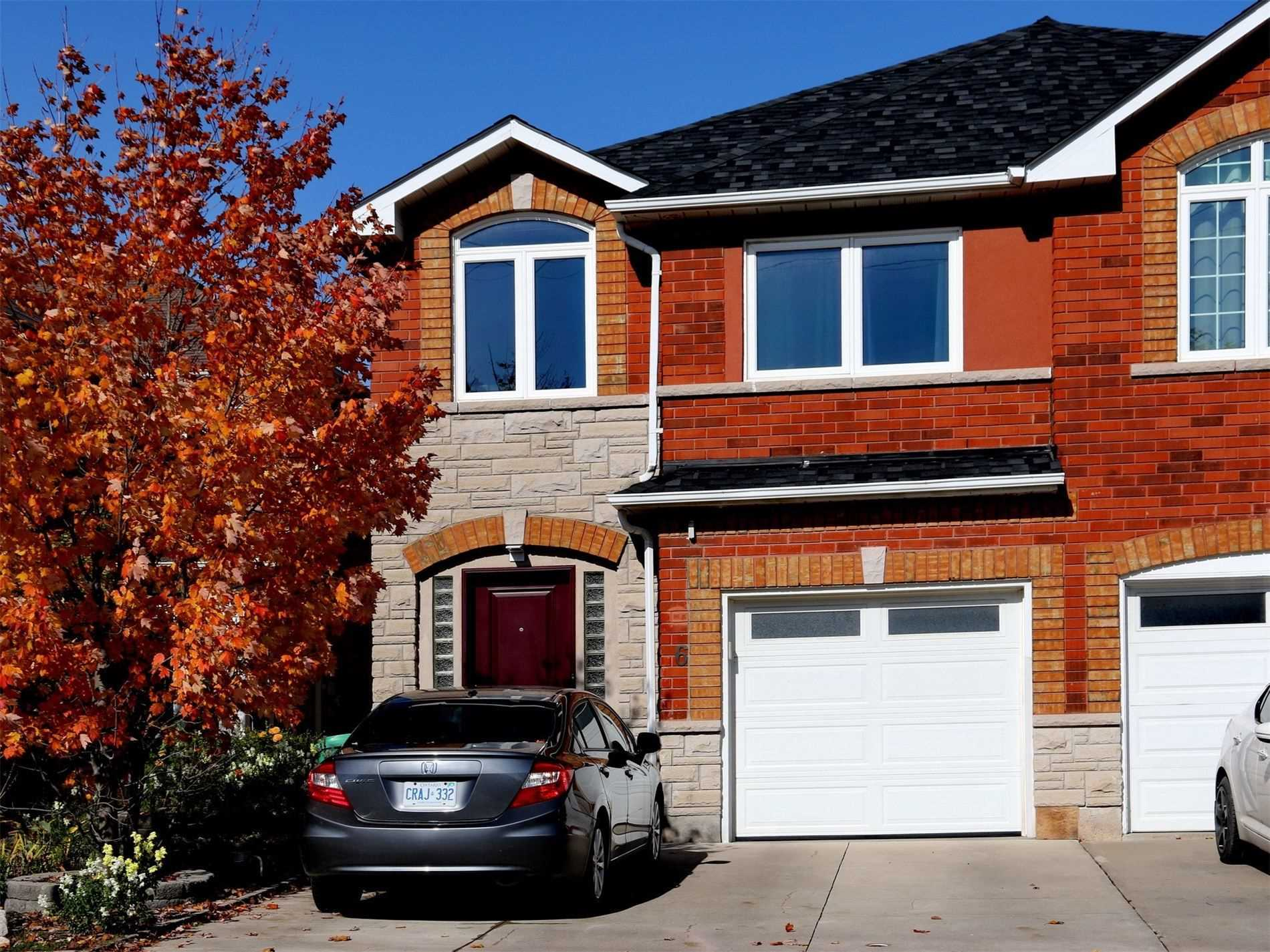 6 Pineview Cres