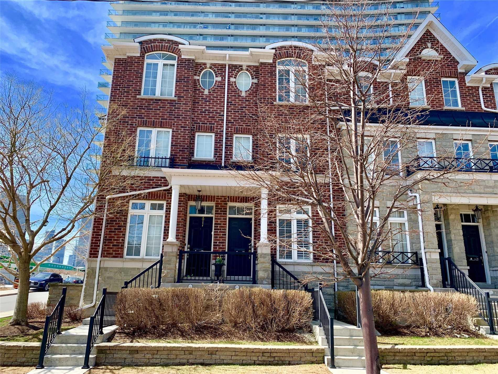 Th19 - 6 Windermere Ave
