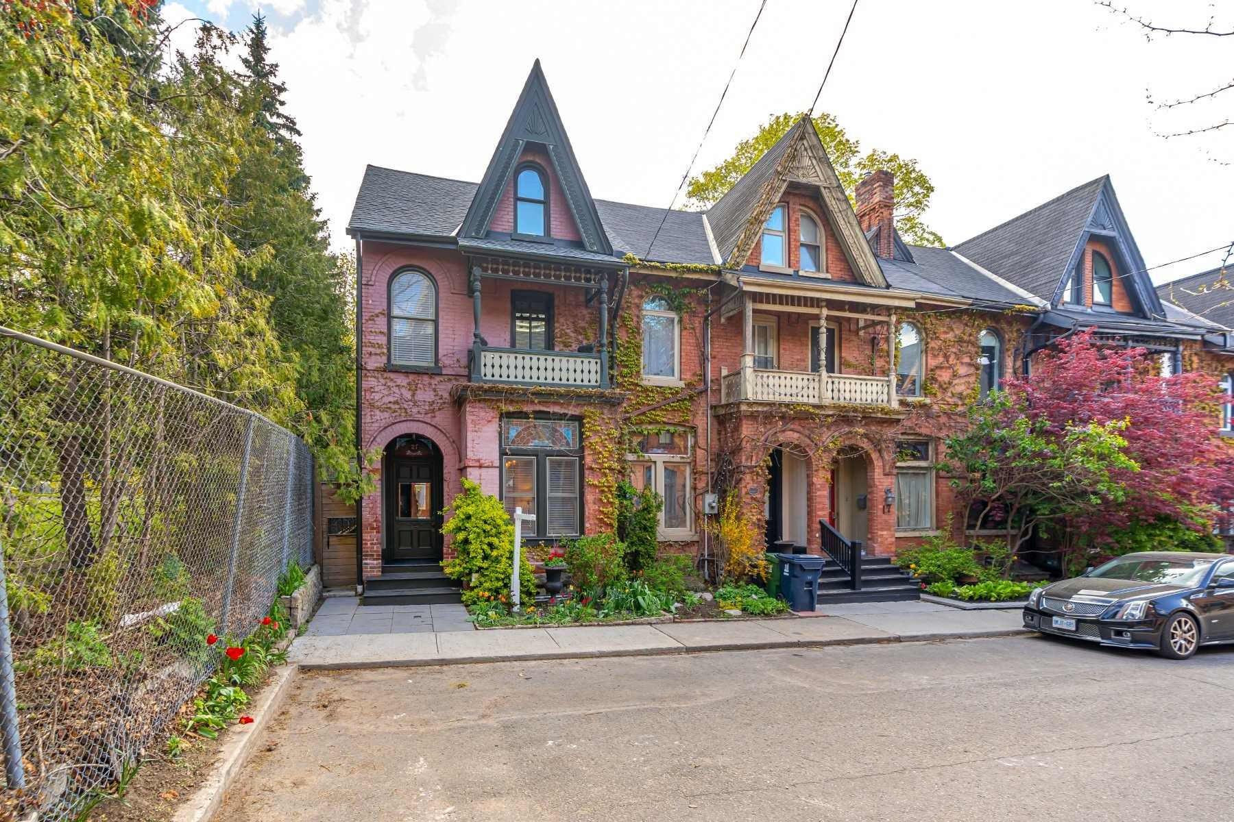 21 Laurier Ave